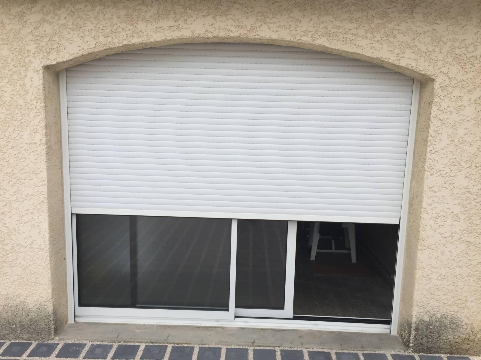 Remplacement d 39 une porte garage par une baie coulissante - Remplacement d une porte de garage par une baie vitree ...