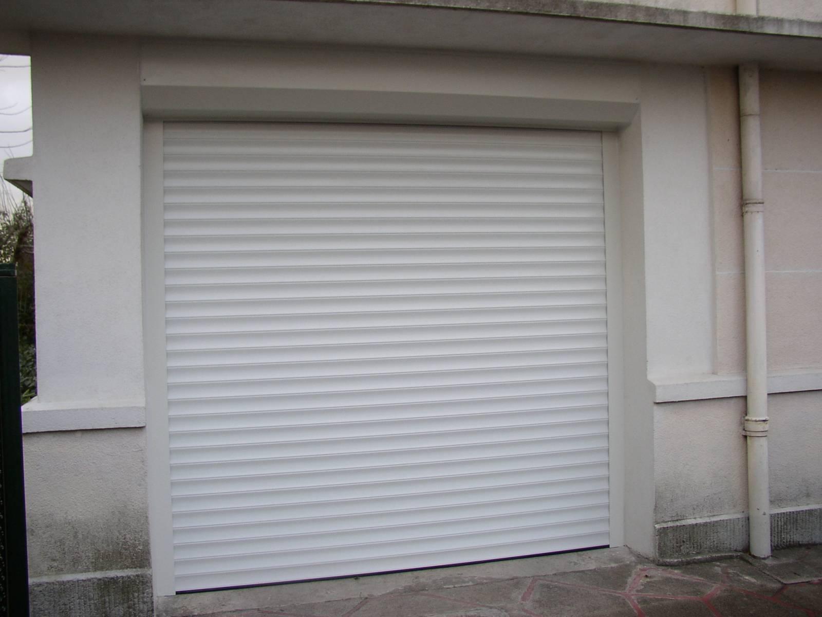 Fabricant de porte de garage et portail sur mesure for Fabricant de porte de garage sectionnelle sur mesure
