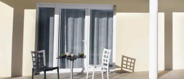 pose de fen tre pvc en r novation montpellier menuiserie alu et pvc sur le secteur de. Black Bedroom Furniture Sets. Home Design Ideas