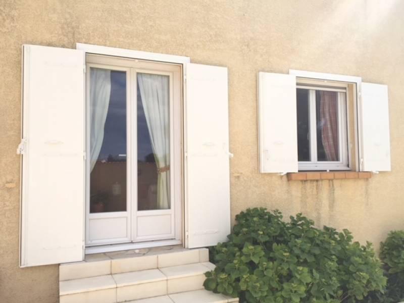 Poser une porte d 39 entr e sur ancien bati en r novation dans une maison montpellier - Poser une porte d entree en renovation ...