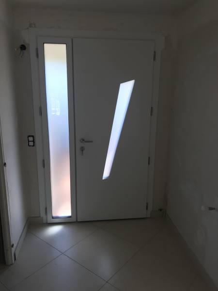 Vente et pose de portes d 39 entr e sur mesure montpellier ligne azur equipement de la baie - Porte blindee sur mesure ...
